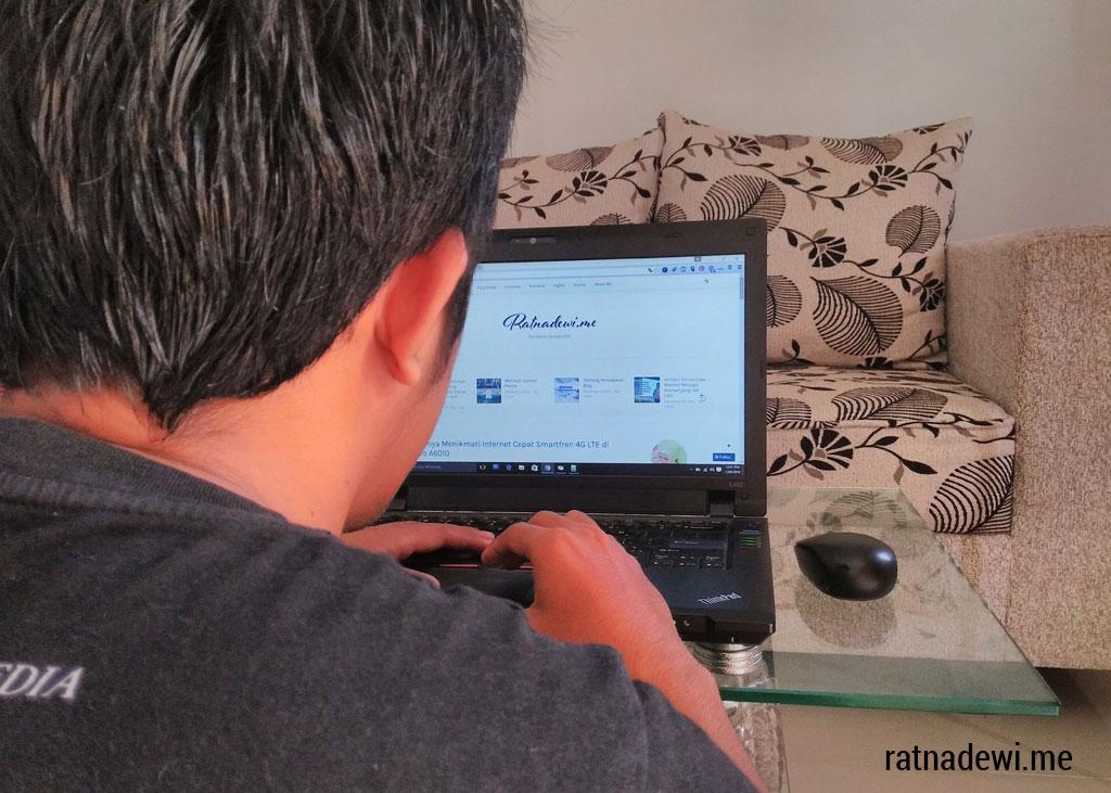 suami suka otak-atik blog saya