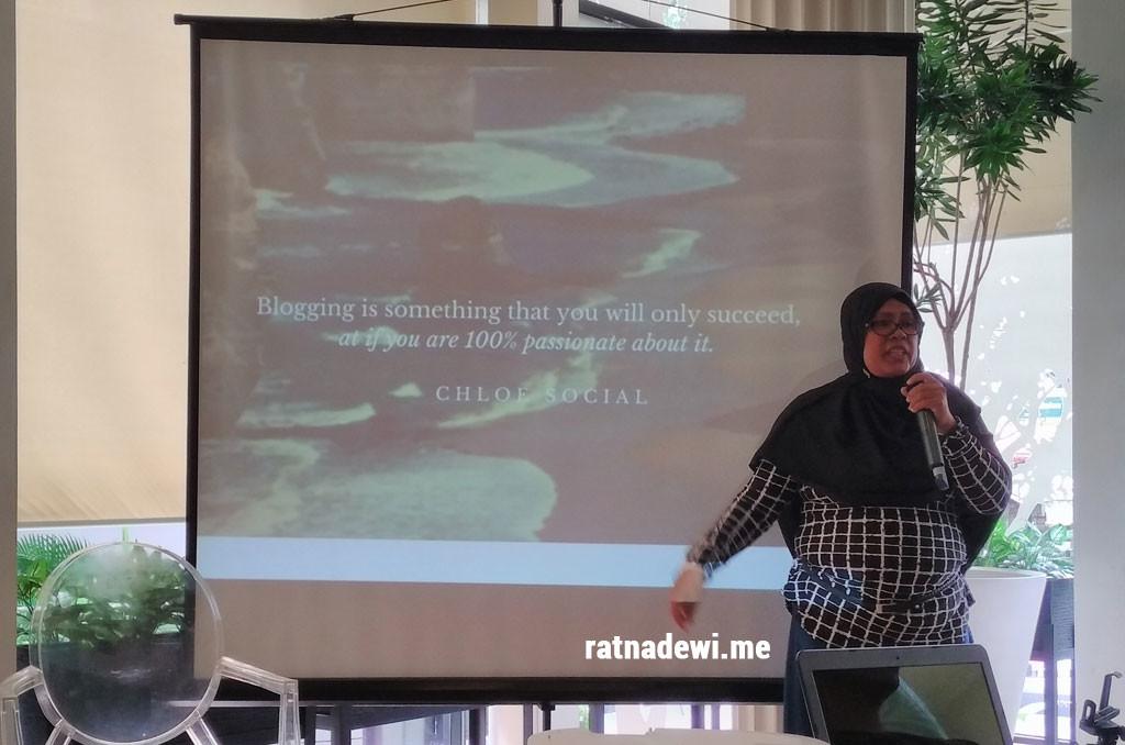 Indah Juli - Co Founder Kumpulan Emak Blogger