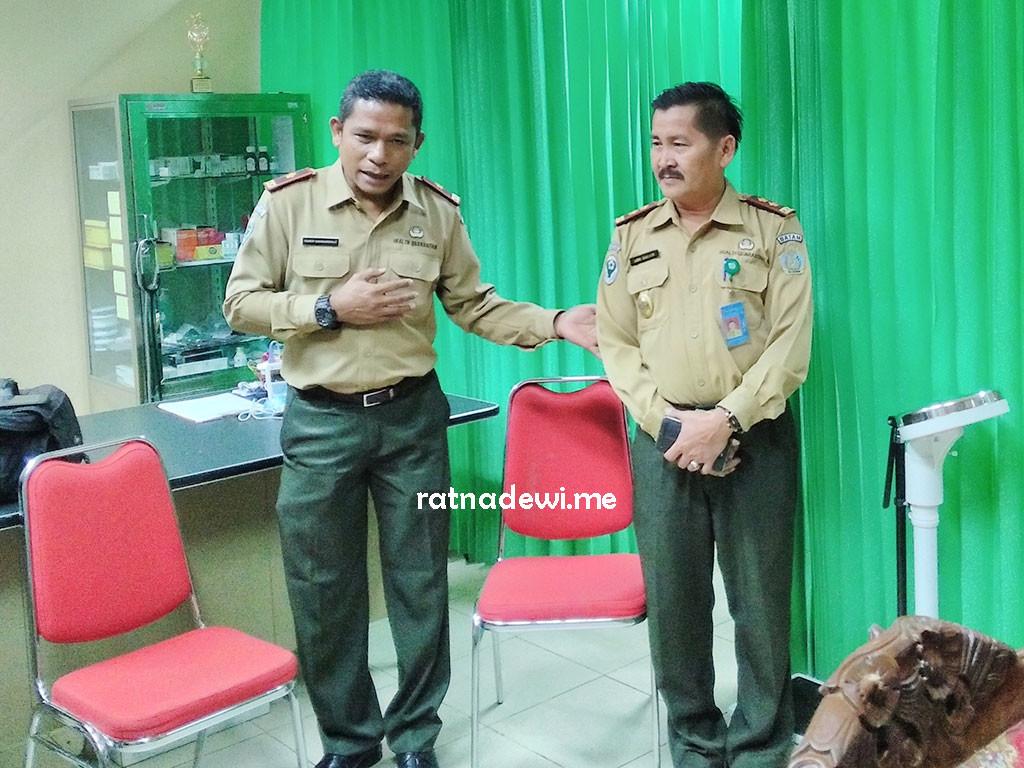 Pak Romer Simanungkalit (kiri) dan Pak Abdul Salam (kanan)