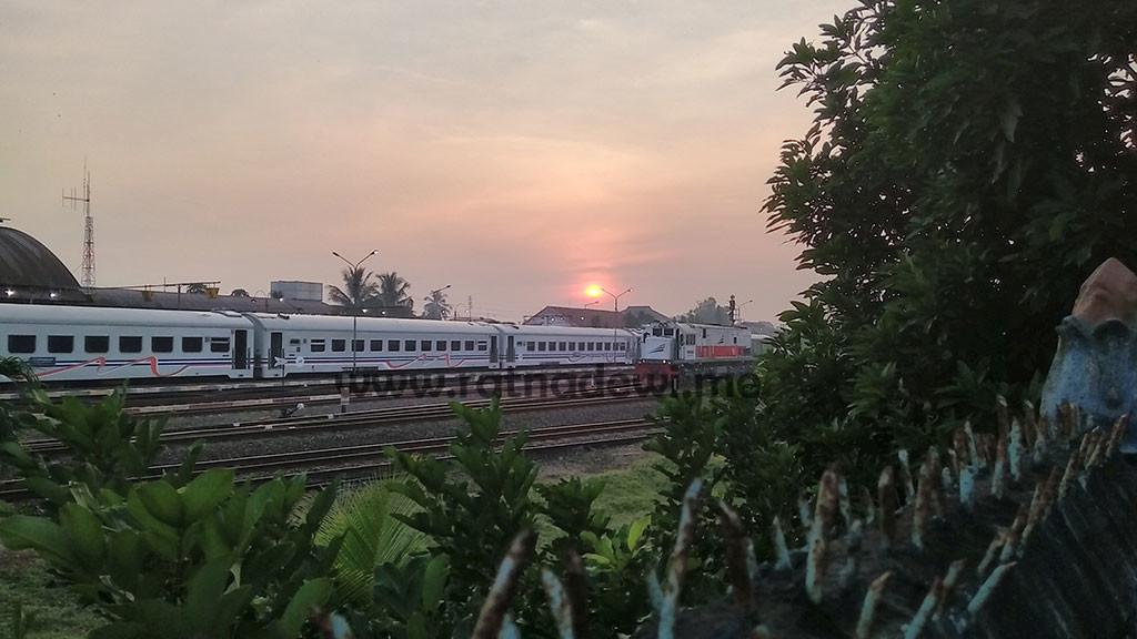 sunrise-di-stasiun