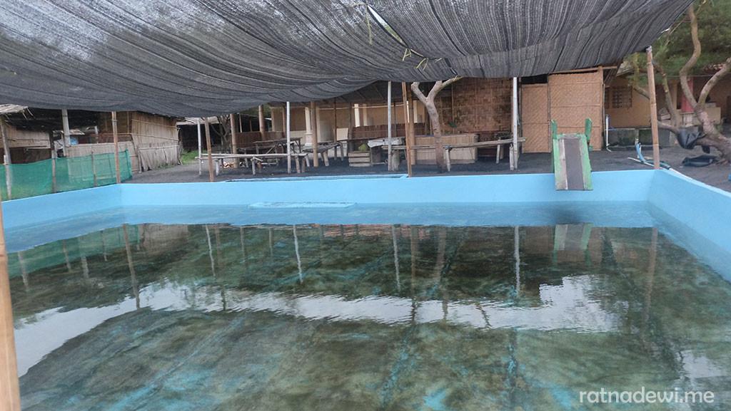 salah satu kolam renang anak di Pantai Jatimalang