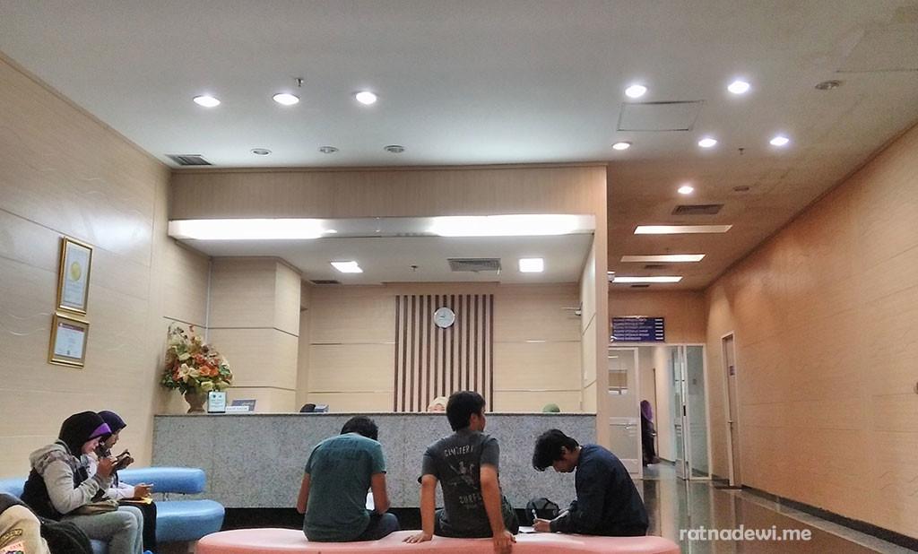 ruang tunggu bagian Medical Check Up di RSUP Fatmawati