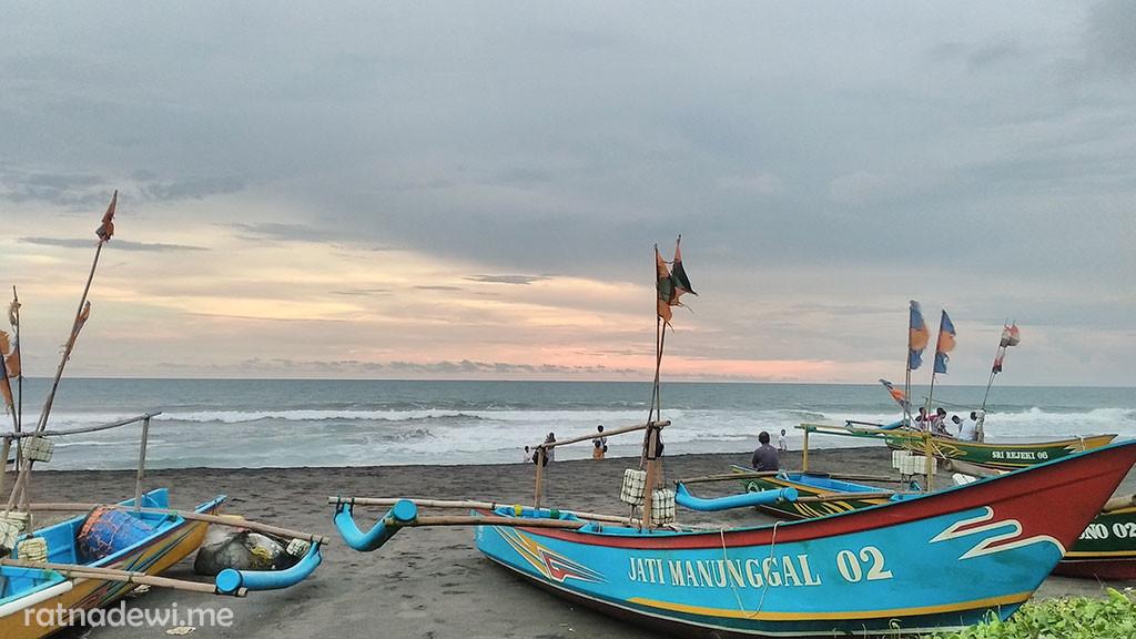 senja di Pantai Jatimalang