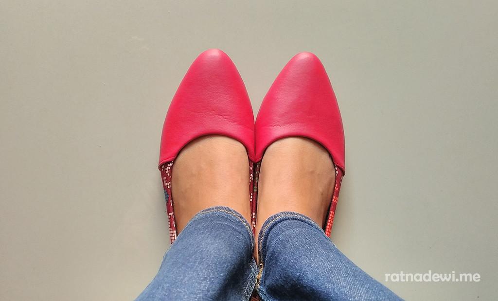 sepatu-the-warna