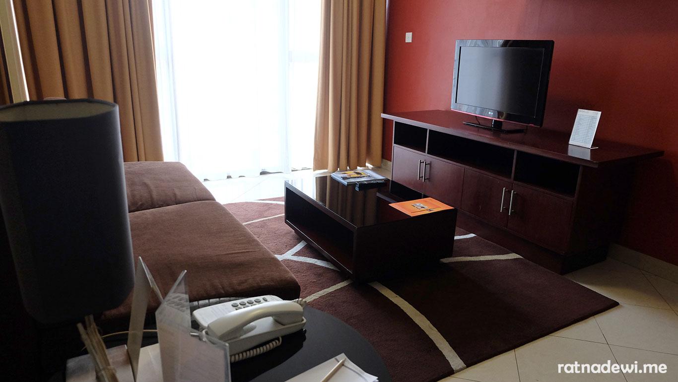 livingroom-aston-rasuna