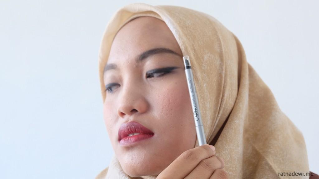 automatic-eyeliner-caring