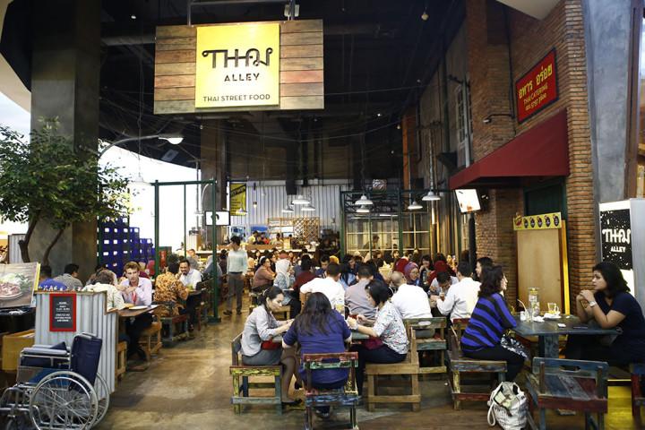 Menikmati Cita Rasa Street Food Thailand di Thai Alley