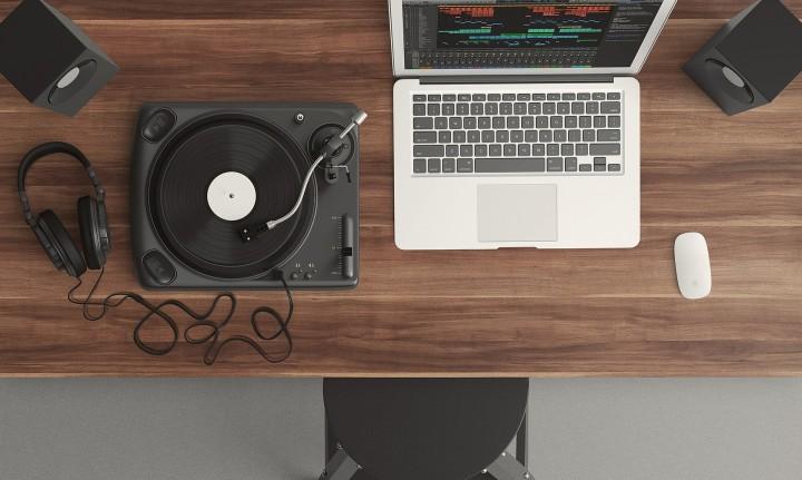 Lagu-Lagu Asyik yang Jadi Teman Saat Menulis Blog