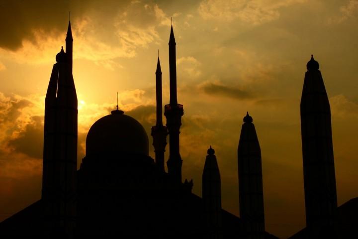 Kenangan Masa Kecil Saat Ramadan, dari Palsukan Tanda Tangan sampai Jadi Asongan