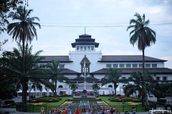 [SP] Merindu Bandung dan Menghabiskan Waktu di Taman-Taman Tematiknya