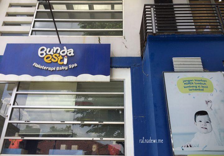 #CeritaIbu: Pertama Kali Membawa Aqsa Pijat Bayi dan Berenang