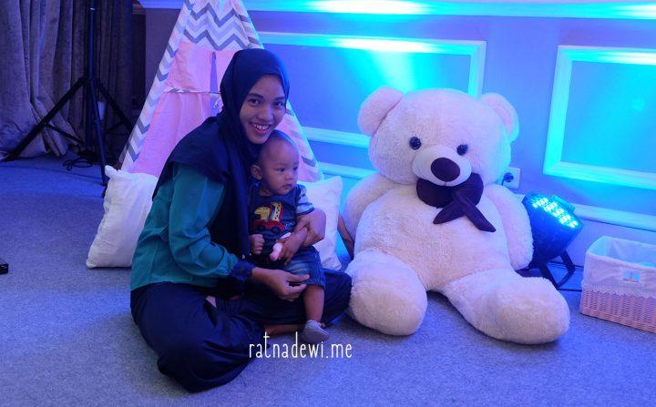 #CeritaIbu: Ungkapkan Sentuhan Cinta Ibu Melalui Pijat Bayi