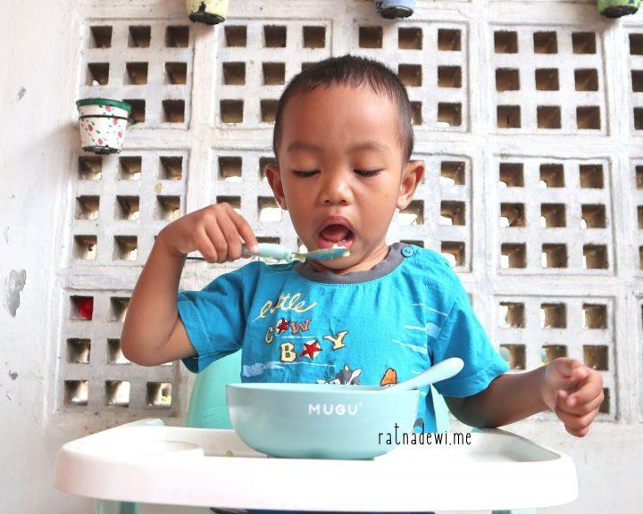 Mengajari Anak Makan Sendiri dengan MUGU Suction Bowl